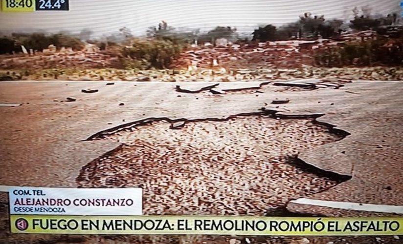 Gigantesco remolino de viento rompió una ruta en Monte Comán
