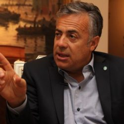 Cornejo pretende desdoblar y calificó la gestión de Macri