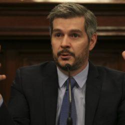 Marcos Peña descartó dar marcha atrás con los aumentos y criticó a Cristina
