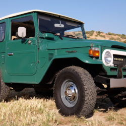 PER-FEC-TO: pagaron 100.000 dólares por este Toyota Land Cruiser FJ40 de 1978 con 8.000 km