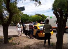 Camión chocó a un taxi